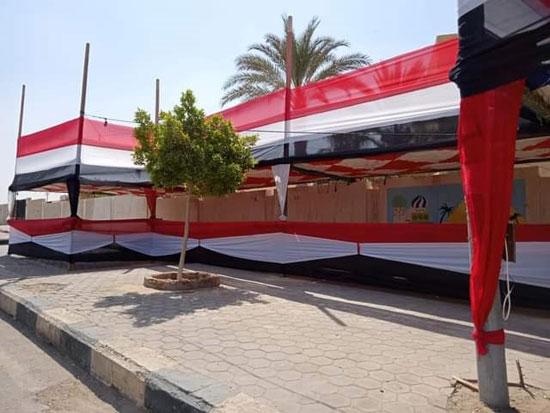 الأعلام تزين المقار الانتخابية (1)