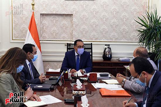 رئيس الوزراء يتابع خطوات إعادة هيكلة الوزارات  (1)