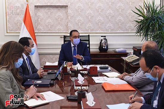 رئيس الوزراء يتابع خطوات إعادة هيكلة الوزارات  (2)