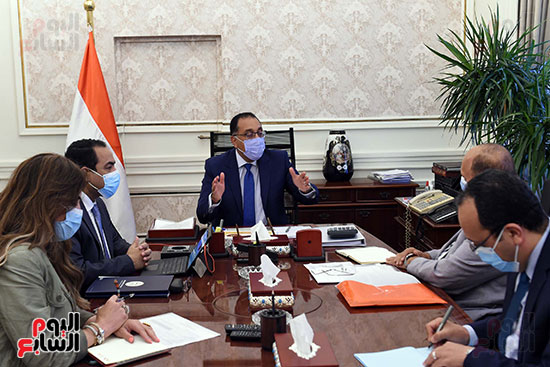 رئيس الوزراء يتابع خطوات إعادة هيكلة الوزارات  (3)