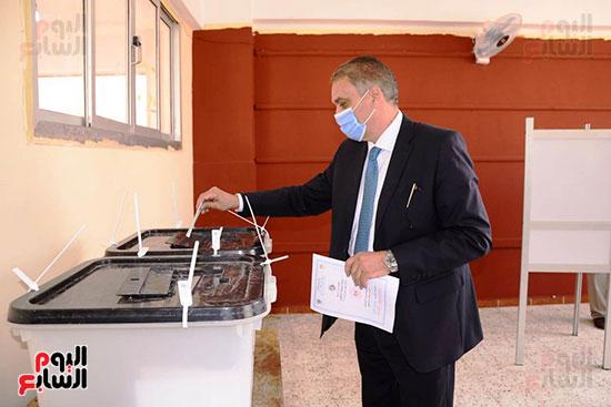 وزير شئون المجالس النيابية (13)