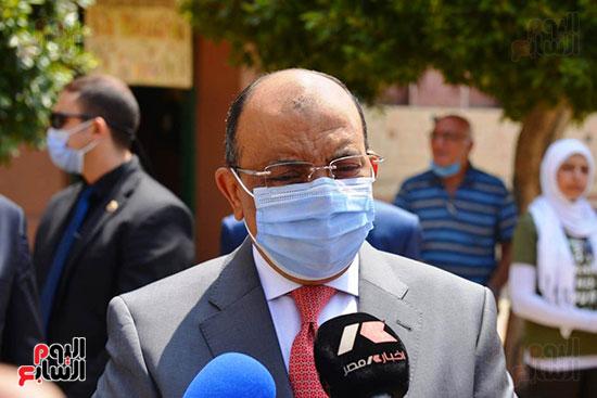 وزير التنميه المحليه (2)