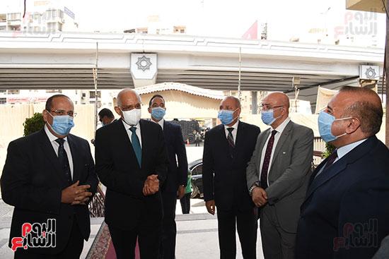 الدكتور علي عبد العال  (11)