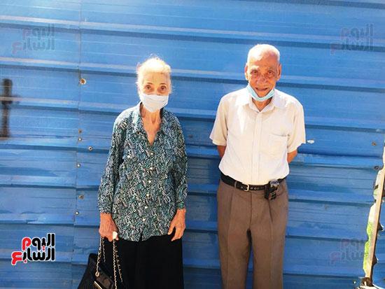 معمر-88-سنة-وزوجته-83-سنة-المشاركة-فى-الانتخابات-واجب-وطنى-وحق-البلد-علينا--(1)