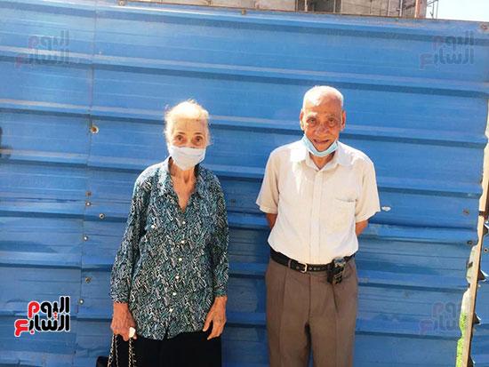 معمر-88-سنة-وزوجته-83-سنة-المشاركة-فى-الانتخابات-واجب-وطنى-وحق-البلد-علينا--(2)