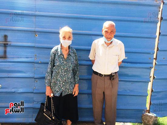 معمر-88-سنة-وزوجته-83-سنة-المشاركة-فى-الانتخابات-واجب-وطنى-وحق-البلد-علينا--(4)