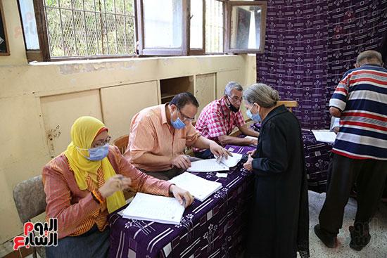 داخل اللجان الانتخابية