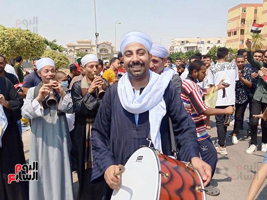احتفالات-المواطنين-امام-اللجان-(9)