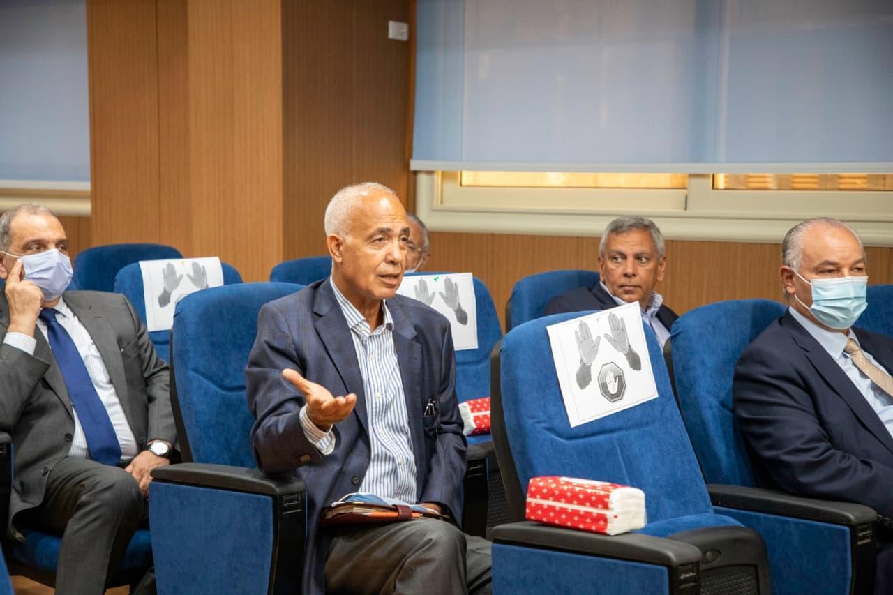 اجتماع رئيس هيئة الدواء المصرية مع شركات ومصنعي الدواء (3)