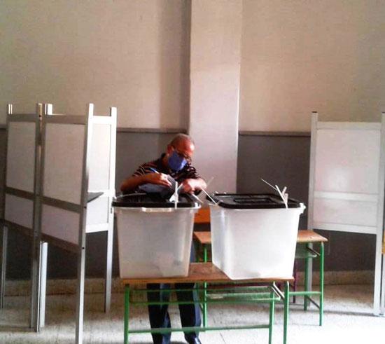 طوابير أمام اللجان الانتخابية (8)