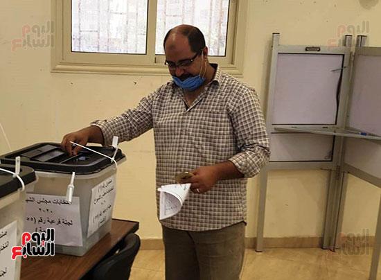 توافد-مواطنى-البحيرة-على-لجان-انتخابات-مجلس-الشيوخ--(2)