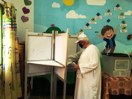 طوابير أمام اللجان الانتخابية (24)