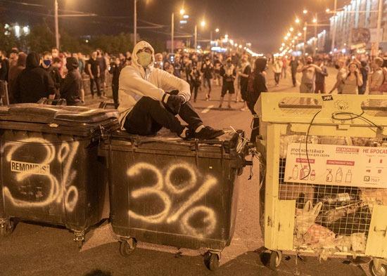 أنصار المعارضة البيلاروسية يحتجون على نتائج الانتخابات الرئاسية