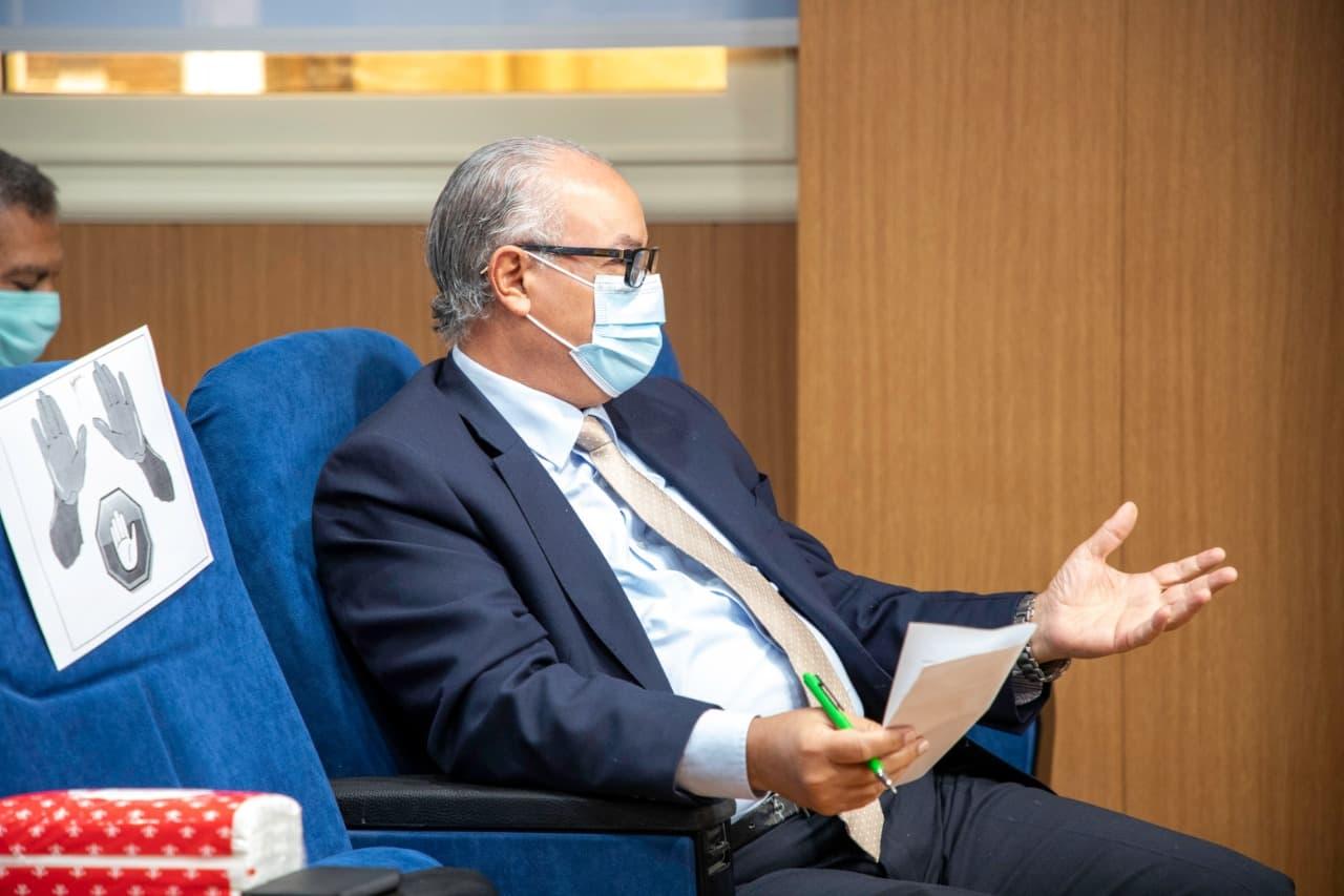 اجتماع رئيس هيئة الدواء المصرية مع شركات ومصنعي الدواء (2)