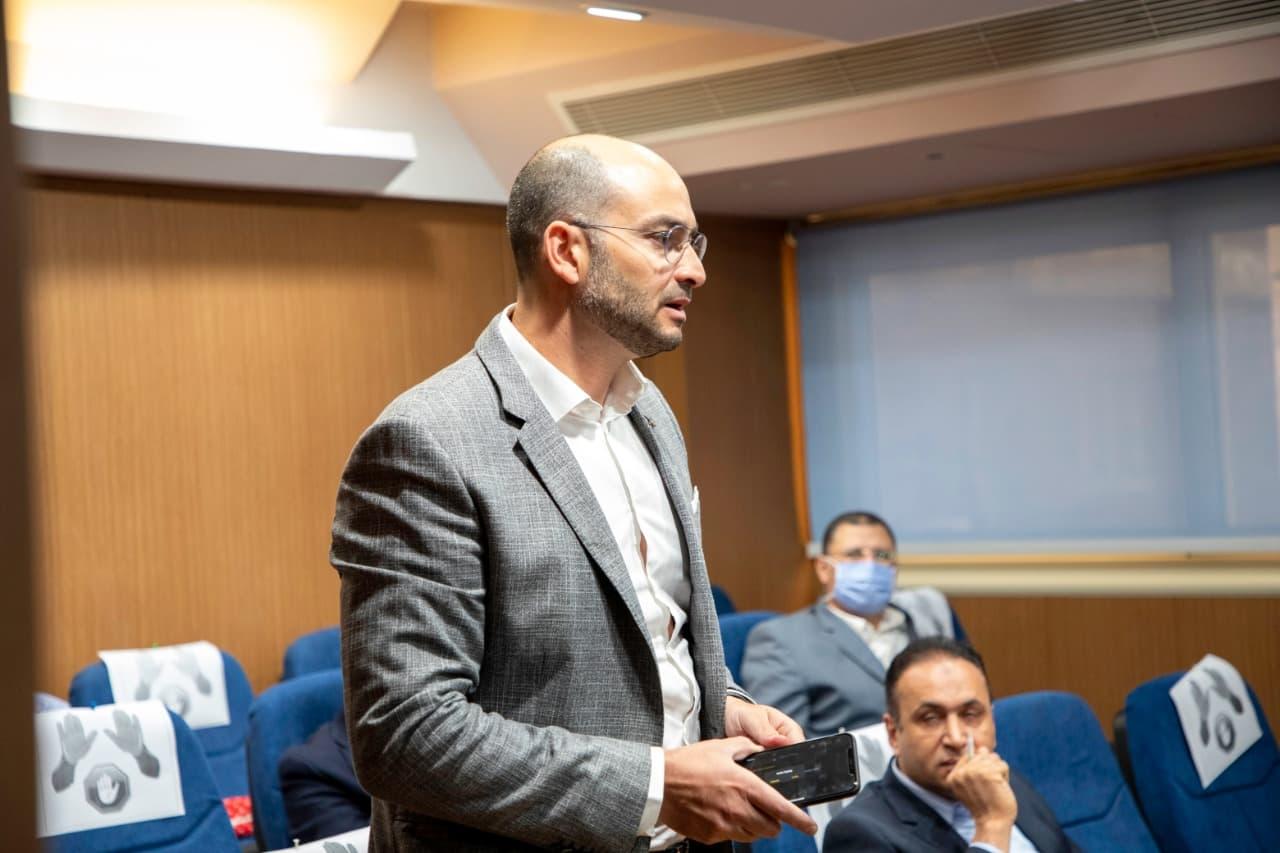 اجتماع رئيس هيئة الدواء المصرية مع شركات ومصنعي الدواء (1)
