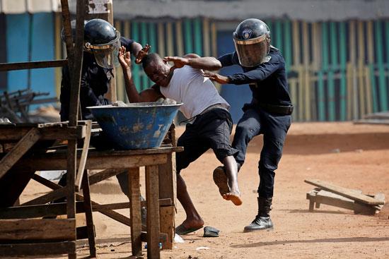 اعتقال متظاهر فى ساحل العاج