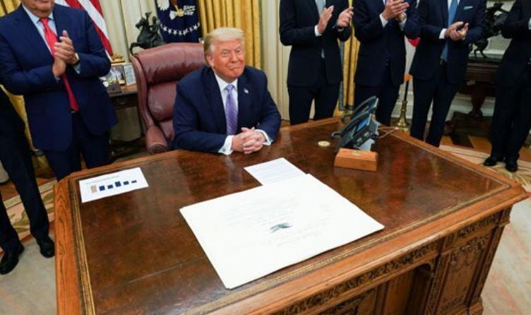 دونالد ترامب بالبيت الأبيض