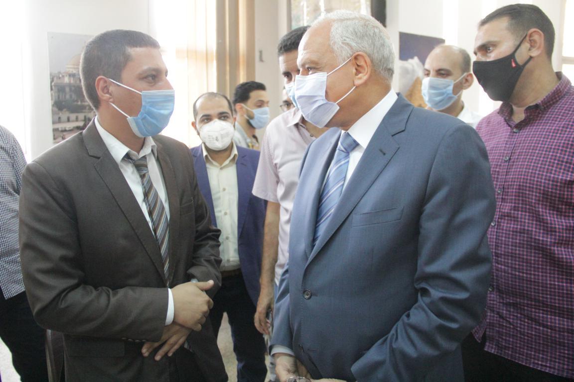 محافظ الجيزة يتفقد مركز خدمة المواطنين جنوب الجيزة (4)