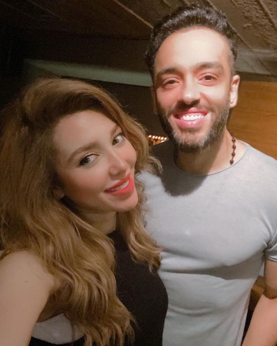 رامي جمال وزوجته (3)