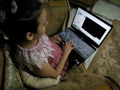 أصغر صحفية فى مصر  (6)