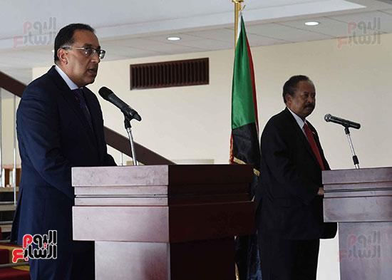 الدكتور مصطفى مدبولى، رئيس الوزراء ونظيره السودانى الدكتور عبد الله حمدوك (5)