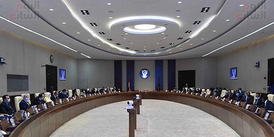 رئيس وزراء السودان يستقبل الدكتور مصطفى مدبولى (1)