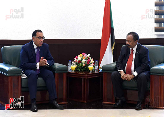 رئيس وزراء السودان يستقبل الدكتور مصطفى مدبولى (7)