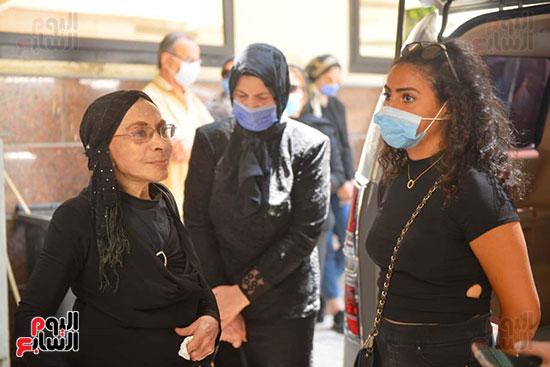 صور من جنازة شويكار