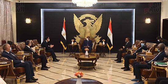 مقابله رئيس المجلس السيادى  (6)