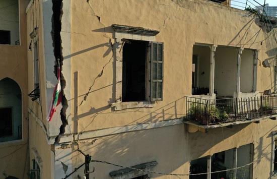 مبنى متهدم إثر انفجار لبنان