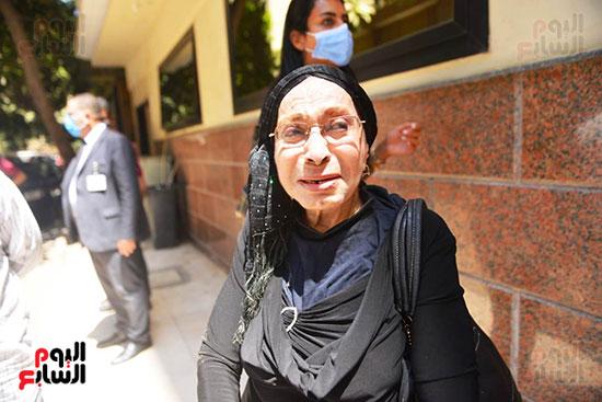 صورة من جنازة الراحلة شويكار