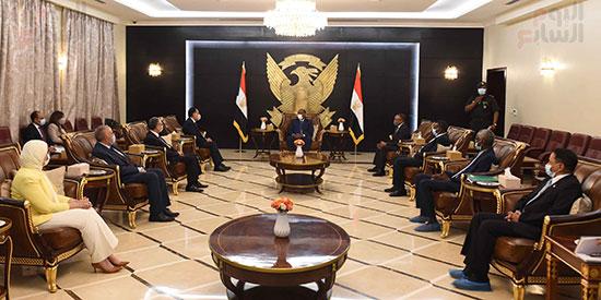 مقابله رئيس المجلس السيادى  (5)