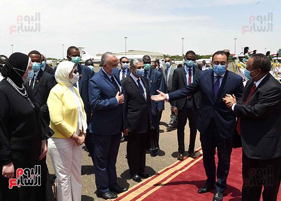 رئيس وزراء السودان يستقبل الدكتور مصطفى مدبولى (8)