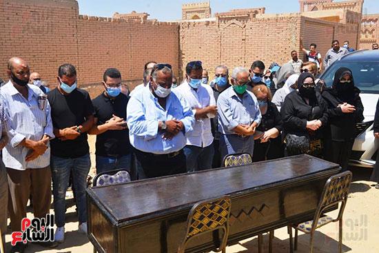 جنازة الفنانة شويكار (19)