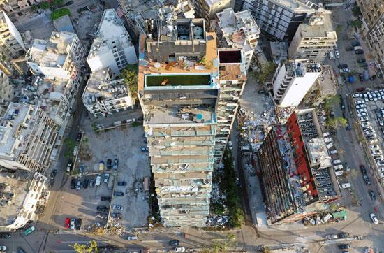 أحد المباني المتضررة في أعقاب انفجار بيروت