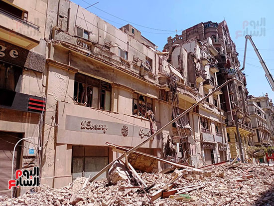 عقار قصر النيل المنهار (5)