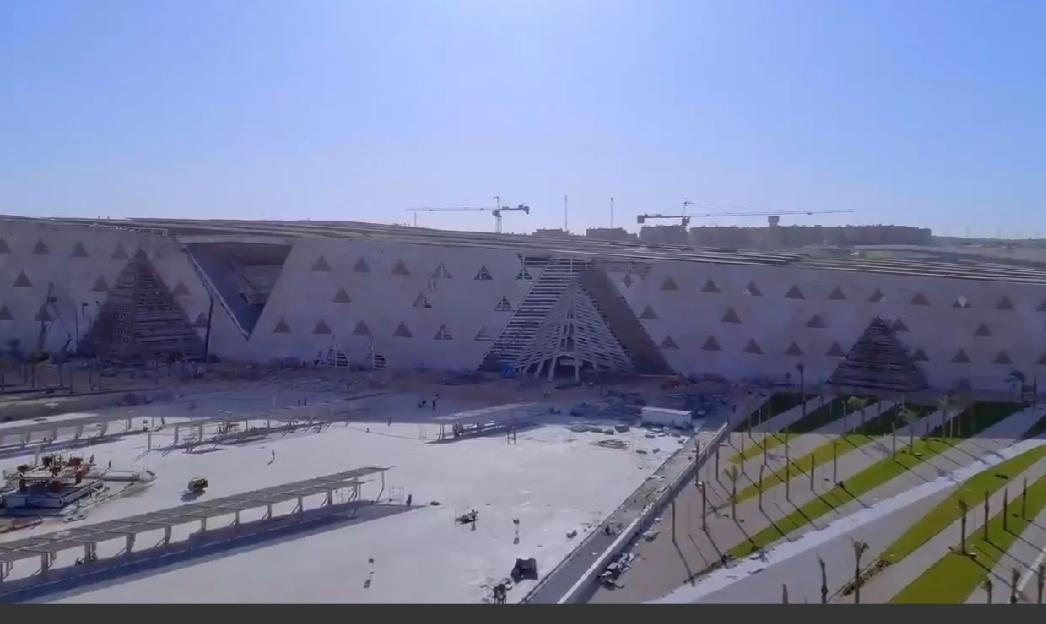 محيط المتحف المصرى الكبير (2)