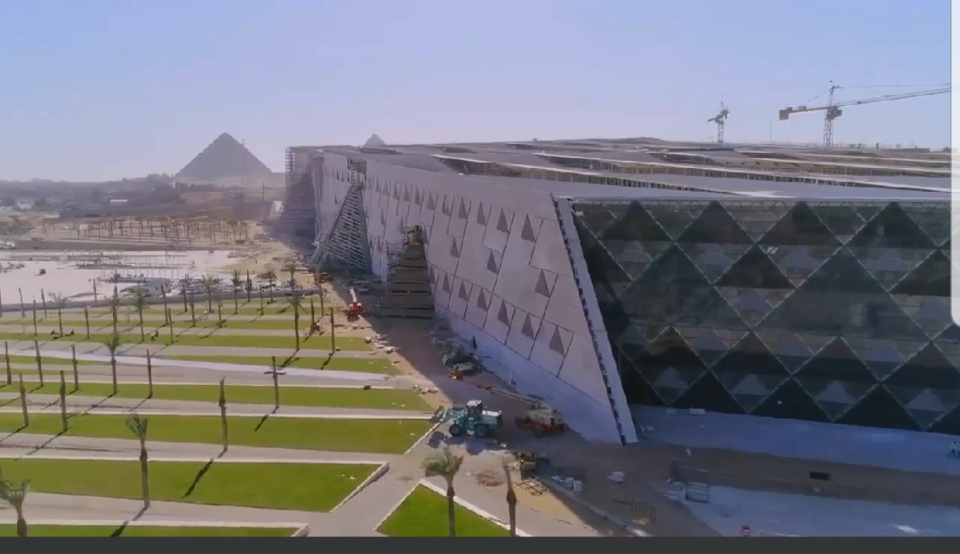 محيط المتحف المصرى الكبير (3)