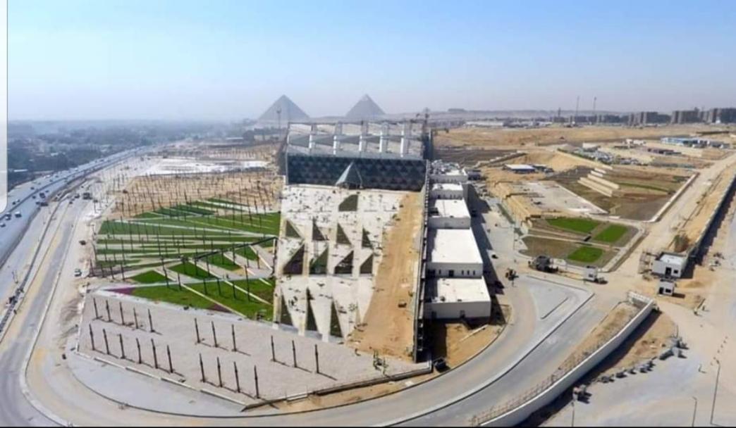 محيط المتحف المصرى الكبير (4)
