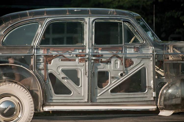 مكونات السيارة من الداخل