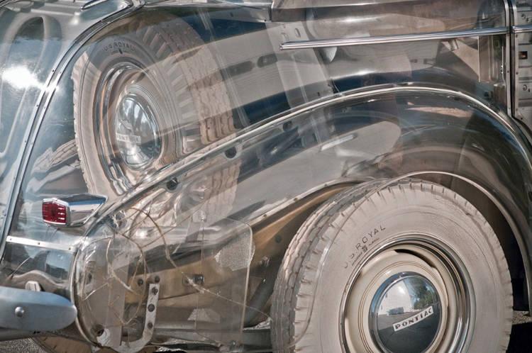 تفاصيل السيارة الشفافة