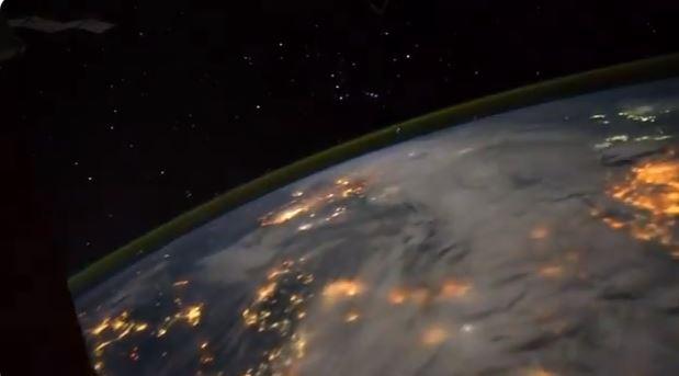 ظاهرتان تضربان الأرض في وقت واحد (3)