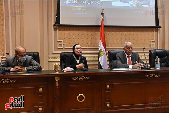 اجتماع لجنة الصناعة بمجلس النواب (4)