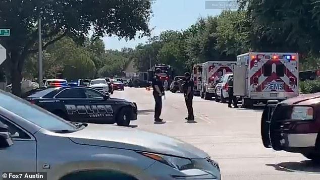 الشرطة فى مكان الحادث