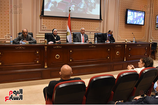 اجتماع لجنة الصناعة بمجلس النواب (9)