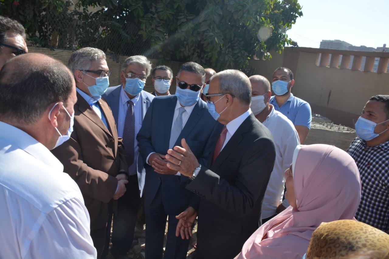 محافظ القليوبية ورئيس جامعة بنها خلال الجولة 4