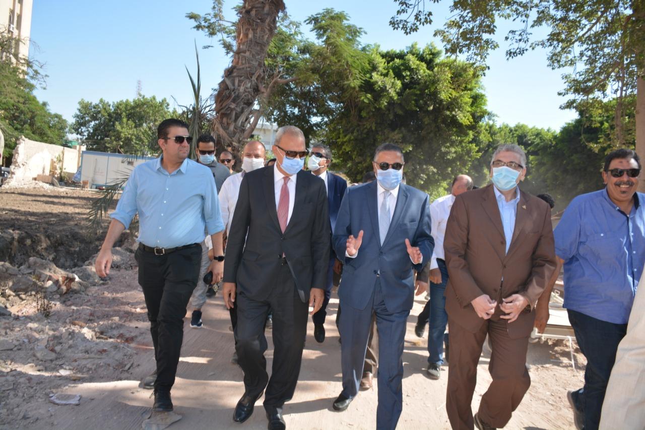 محافظ القليوبية ورئيس جامعة بنها خلال الجولة 3