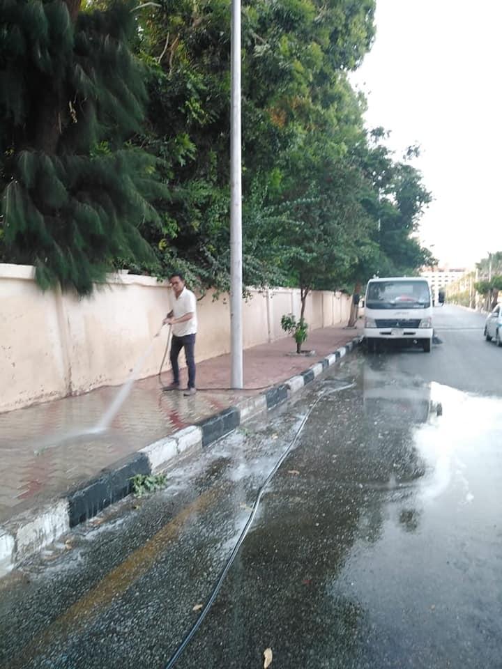 رفع 3 طن قمامة ومخلفات أتربة بمنطقة حي جنوب مدينة الأقصر (1)