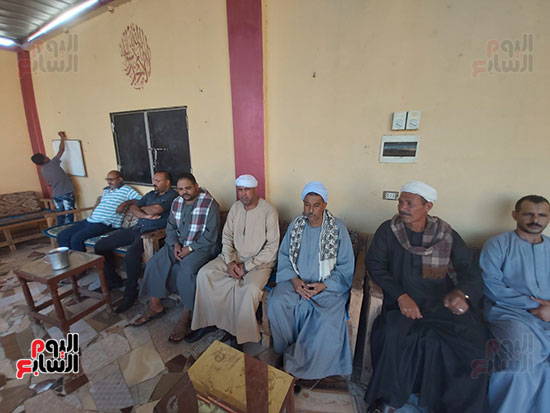 215951-كبار-عائلات-قرى-«حمردوم»-و-«أبوحزام»-في-قنا--(1)