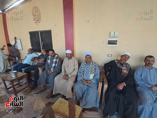 1275819-كبار-عائلات-قرى-«حمردوم»-و-«أبوحزام»-في-قنا--(2)